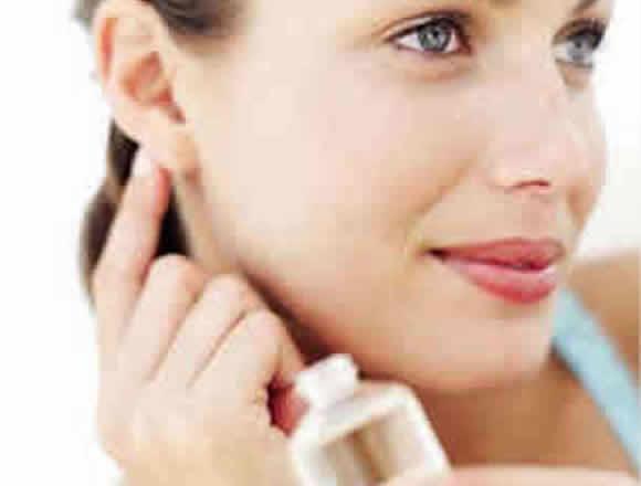 Las feromonas naturales o en perfumes, una ayuda en la seducción