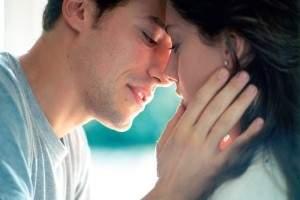 Cuando besar a una mujer: saber cuando ella esta lista para el primer beso