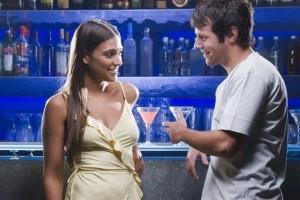 Cómo ligar en un bar: técnicas de ligue